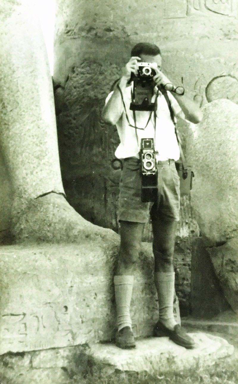 Manolo haciendo una foto en el templo de Abu Simbel